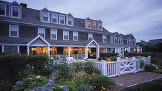 Wauwinet Nantucket is beautiful and has lots of hotels. Ofcourse we are only looking for the best hotels in Wauwinet Nantucket. Nantucket Style, Nantucket Island, Nantucket Beach, Nantucket Cottage, Cottage Style, Most Romantic Places, Beautiful Places, Beautiful Homes, Dreams