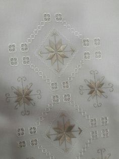 This Pin was discovered by Şaz Embroidery Designs, Types Of Embroidery, Learn Embroidery, Modern Embroidery, Hardanger Embroidery, Embroidery Stitches, Bookmark Craft, Bargello, Drawn Thread