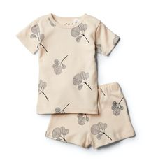 Organic Fan Leaf Short Sleeve Pyjama Set Cool girls pyjamas by Wilson & Frenchy For comfort and cuteness we can't go past Wilson and Frenchy's Kids short sleeve pyjama set. Featuring the most incredible hand drawn all over illustrations, these summer PJ's come beautifully packaged in a matching fabric drawstring bag, making them a lovely gift. Colour: Fan Leaf Print Fabrication and care: 100% GOTS certified, organic cotton, machine washable. #kidsfashion #tinypeopleshop #kidsclothing… Toddler Pajamas, Girls Pajamas, Baby Boutique Clothing, Cool Kids Clothes, People Shopping, Pajama Set, Kids Branding, Kids Shorts, Kid Styles