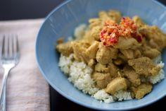 Simple Ginger Curry Chicken Recipe (paleo, primal, gluten-free) @vahuntergather