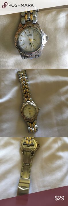 Fossil ladies watch With glow arms. In great condition and good working battery. Fossil Jewelry Bracelets