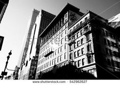 Manhattan streets and buildings in New York, NY photography ideas. Background and wallpapers download.