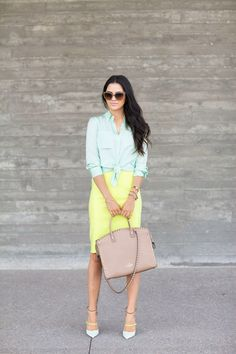 Not just for women in their 30s! But I do agree that a great age deserves the best style :). Very light turquoise button down shirt with two front flap pockets. Sleeves are pushed up and shirt is knotted in front. Paired with a light yellow knee length pencil skirt. Oversized taupe tote and styling' double ankle strap pumps. Oversized sunnies. Style Planet