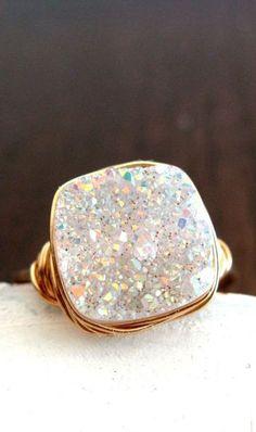 http://rubies.work/0963-sapphire-pin-brooch/ Gold Druzy Quartz Cocktail Gemstone Ring