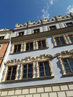 Mannerist Konopnica House in Lublin, the original gothic house from the 15th century was rebuilt in the style of so-called Lublin Renaissance after 1596 for Sebastian Konopnica by followers of Santi Gucci's workshop in Pińczów. #mannerism #16thcentury #artinpl #stucco Gothic House, 15th Century, Poland, Renaissance, Followers, Workshop, Mansions, The Originals, House Styles