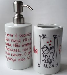 Kit Banheiro Saboneteira & Porta Escova