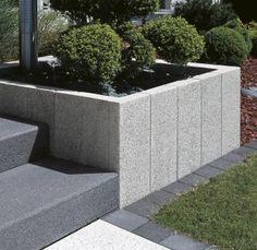 Columns granite gray and white. Columns granite gray and white. Container Herb Garden, Modern Garden Design, Modern Fence, Balcony Design, Garden Fencing, Front Yard Landscaping, Winter Garden, Amazing Gardens, Outdoor Lighting