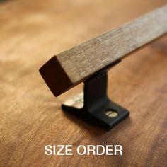 Wood Door Handle, Barn Door Handles, Drawer Handles, Wooden Handles, Steel Art, Steel Metal, Wood And Metal, Welding Projects, Diy Wood Projects