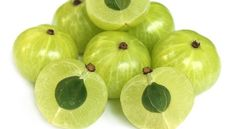 Amla is a great source of vitamin C and minerals. Amla oil is used as hair tonic for natural hair growth. Vitamin C, Grow A Thicker Beard, Indian Hair Care, Amla Oil, Home Remedies For Hair, Stop Hair Loss, Hair Care Tips, Hair Health, Ayurveda