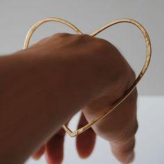 Heart bangle - 18kt yellow gold