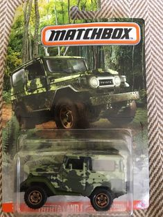 Matchbox Toyota Land Cruiser Camouflage SUV Great condition still in Long Card. Custom Hot Wheels, Hot Wheels Cars, Car Volkswagen, Volkswagen Vehicles, Ford Police, Police Cars, Star Wars Furniture, Suv 4x4, Paw Patrol Toys