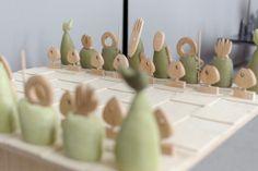 Veronika Watzková, K.O.V, UMPRUM, metal, chess, Foto: Jan Hromádko #design #czechdesign