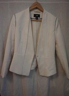 À vendre sur #vintedfrance ! http://www.vinted.fr/mode-femmes/autres-manteaux-and-vestes/32638808-veste-type-blazer-blanche-hm