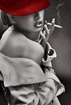 Ich spreche mit Dir,doch ich hülle mich in tiefes Schweigen. Ich sehe Dich an,doch ich verschließe die Augen vor derbitteren Wahrheit. Ich lächle Dir zu,doch Tränen strömen über mein Gesicht. Du …