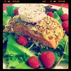 Pecan Crusted Salmon, via @leangrnbeanblog #EAT #FitFluential