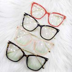 Armação De Óculos De Grau Gatinho C/ Pérola Haste C/ Brinde - R$ 120,00