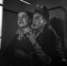 Frida Kahlo y Aurora Reyes