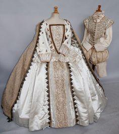 Plus de 3 000 costumes et décors de théâtre | Le magazine des enchères