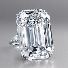 Trendy Diamond Rings : Harry Winston - #Rings https://youfashion.net/wedding/rings/diamond-rings-harry-winston-8/