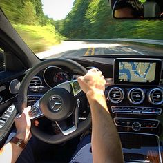 "drivingbenzes: ""Mercedes-Benz C 400 AMG line "" If you like it, share it. Porsche, Audi, Bmw, Mercedes Benz, Head Up Display, C Class, Benz C, Rolls Royce, Aston Martin"