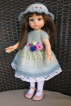 A very pretty dress Danielle C