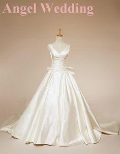 Custom Wedding Dress Vintage Lace Wedding Dress Bridal Gown Vintage Gown Bridesmaid Dress Evening Prom Dress. $208.00, via Etsy.  stunning... minus the bow.