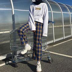 5 Creative And Inexpensive Cool Tips: Urban Fashion Shoot Street Style urban fashion photography streetwear.Urban Fashion Illustration New York. Look Fashion, Urban Fashion, Teen Fashion, Winter Fashion, Fashion Outfits, Fashion Clothes, Jackets Fashion, Fashion Ideas, Dress Fashion