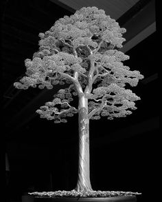 Aluminum wire tree 23.75 inches tall