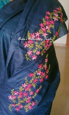 Discover recipes, home ideas, style inspiration and other ideas to try. Saree Embroidery Design, Embroidery Suits Punjabi, Embroidery On Kurtis, Hand Embroidery Dress, Embroidery Neck Designs, Hand Embroidery Videos, Floral Embroidery Patterns, Geometric Embroidery, Embroidery On Clothes