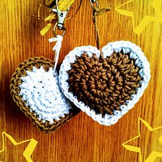 This cute Latte Heart pattern can be used to make a stuffed heart-shaped key ring or bag charm. It's a great way to use up small quantities of DK yarn for last minute gifts. It also looks super cute in red and white for tree decorations or other ornaments.