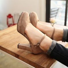 the thickness of the heel is perfect.