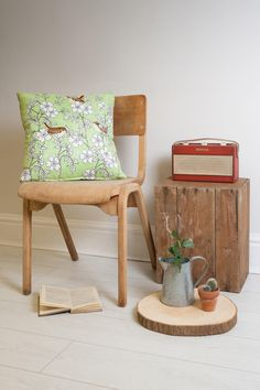 Welcome to Forever Creative, a photographic studio creating imaginative, captivating product photography that tells a story. Photography Branding, Creative Photography, Photographic Studio, Creative Industries, Surface Pattern Design, Creative Studio, Modern Rustic, Vintage Furniture, Branding Design