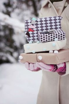 Gift wrapping idea: pompoms