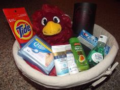 such a cute gift basket for your favorite college freshman!