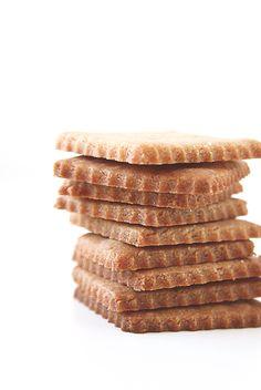 Homemade Sweet & Crunchy Graham Crackers