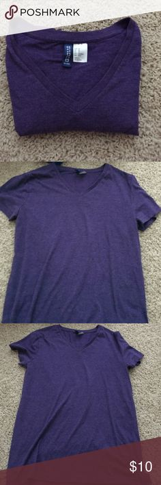 H&M purple v neck tee Purple v neck tee XS from H&M (divided) Great condition! Divided Tops Tees - Short Sleeve