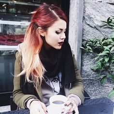 Stopping in every little coffee shop we find here ☕️ Little's Coffee, Coffee Shop, Luanna Perez, Le Happy, Instagram Images, Instagram Posts, Grunge Outfits, Winter Outfits, Winter Clothes