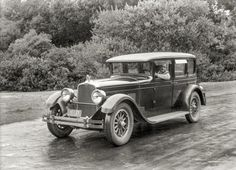Stutz Vertical Eight with Safety Chassis. San Fran, 1927 http://www.shorpy.com/node/21248 Christopher Helin #oldpics #cars