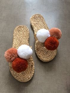 Various Water Hyacinth Crafts 2020 - Wopicts Sandals Outfit, Cute Sandals, Beach Sandals, Decorating Flip Flops, Pom Pom Sandals, Wedding Welcome Bags, Slipper Sandals, Greek Sandals, Crochet Patterns For Beginners