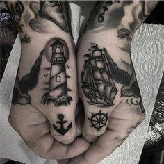 Kleine traditionelle Tattoos: großartige Old-School-Tattoo-Ideen - beste Ta. - Kleine traditionelle Tattoos: großartige Old-School-Tattoo-Ideen – beste Tattoo-Ideen – K - Thumb Tattoos, Knuckle Tattoos, Finger Tattoos, Body Art Tattoos, New Tattoos, Sleeve Tattoos, Cool Tattoos, Tatoos, Hand Tattoos For Guys