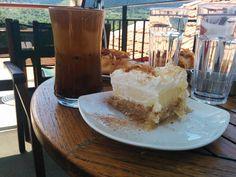 האוכל היווני, מהסלט הטרי ועד הקינוחים המפתים, הוא בגדר חגיגה של ממש Camembert Cheese, Greece, Cheesecake, Dairy, Desserts, Food, Greece Country, Tailgate Desserts, Deserts