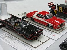 1/25 Scale Icons. 1966 Batmobile and Starsky & Hutch Torino.