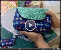 Best 12 Bolsa clutch Purse pattern – Page 509821620316484402 Sewing Art, Love Sewing, Sewing Crafts, Sewing Projects, Patchwork Bags, Quilted Bag, Sewing Hacks, Sewing Tutorials, Diy Clutch