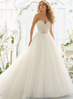 Beformal.com.au SUPPLIES Beautiful A-Line Floor-Length Sweetheart Pearls Beading Wedding Dress Princess Wedding Dresses