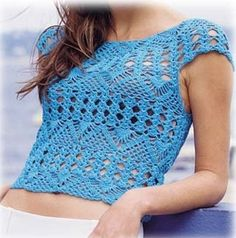 Detailed pattern for every row (bottom is a bit different though)Crochet top PATTERN, written tutorial in ENGLISH, beach crochet tunic pattern PDF only, beach top crochet pattern, sexy crochet top pattern. Talk on LiveInternet - Russian Service Onlin Mode Crochet, Crochet Tunic, Crochet Crop Top, Crochet Clothes, Crochet Stitches, Crochet Patterns, Crochet Woman, Crochet Fashion, Beautiful Crochet