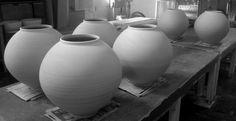 [정인석 도예연구소]달항아리(moon jar) 작업...!! 정인석 도예가는 달항아리 작업을 다시 시작해 보고 싶다.