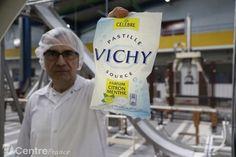Michel Merlier, responsable de production de l'usine de pastilles de Vichy, où sont fabriquées 1.500 tonnes de pastilles chaque année - La Montagne