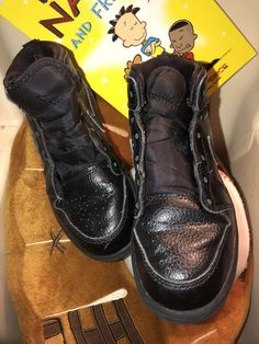 a20a0a28917 Very nice solid black Nike Air mid top sneakers size EUC shoes need laces  but you can use any color you like to make a very nice pair.