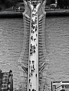 9am - 'The Bridge', by Nicolas Casana. | 24-Hour London Seen In 24 Striking Photos