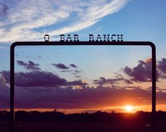 O BAR RANCH . . . . . . Shot with a Sony A6000 #SonyImages #IG_color #exclusive_shots #hubs_united #exceptional_pictures #master_gallery #visitnac #nacogdoches #ig_myshot #NatureGeography #destinationearthlife #awesome_earthpix #naturelove_world #nature_wizards #amazing_fs #ig_sunsets #super_sunset #best_silhouette #sunrise_and_sunsets #sunsetsniper #sunset_painters #sunset_hub #skylove_  #mybest_sunset #bns_sunset #SymmetricalMonsters #RedditPhotography #tx #AGameofTones #NaturePhotography